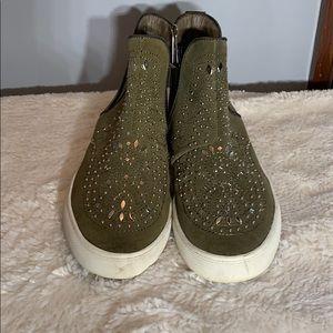 Funky suede bootie sneakers olive /metal studs